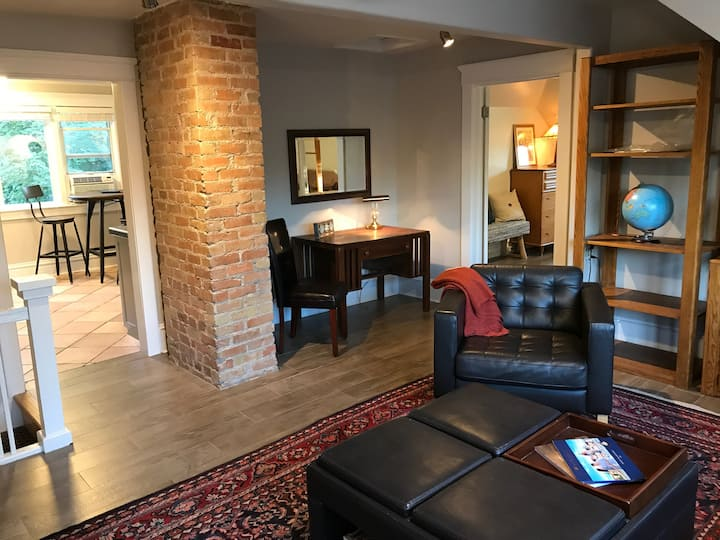 2 bedroom apartment in Fabulous 9th&9th