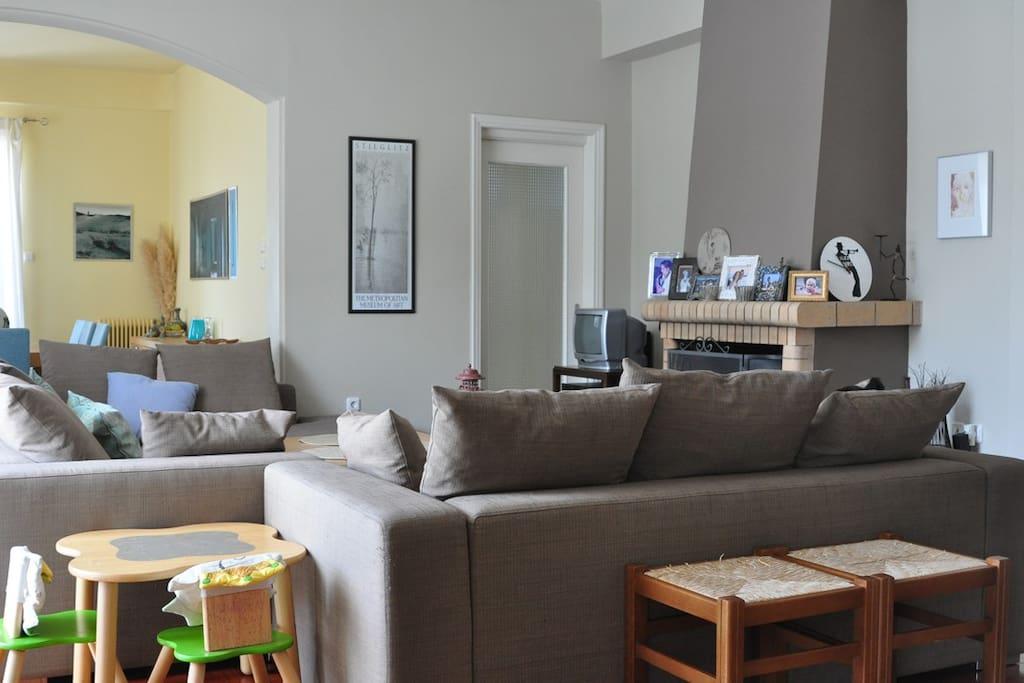Living room, fireplace.