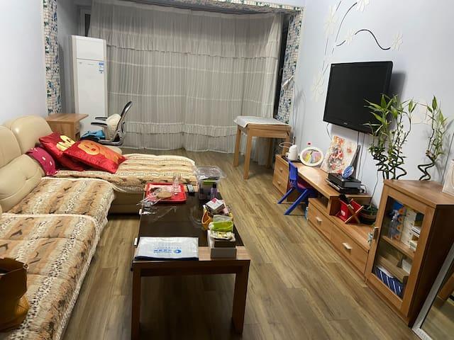 干净整洁、可以二人、四人或多人居住,独立空间,适合大家庭或两到三个小家庭入住
