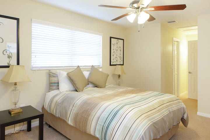 clean and new in sunny dania beach houses for rent in dania