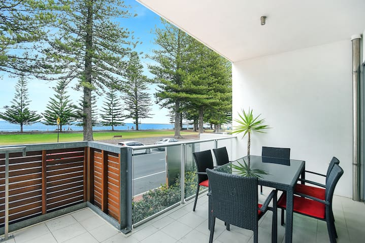 Breeze Beachfront Apartment 10 - Victor Harbor