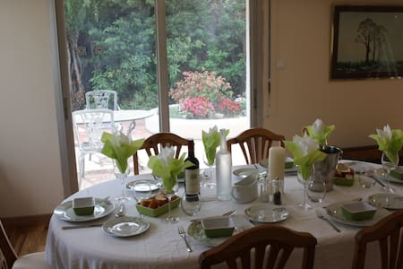 La Villa Blanc. Adult only Bed and Breakfast - Conques-sur-Orbiel