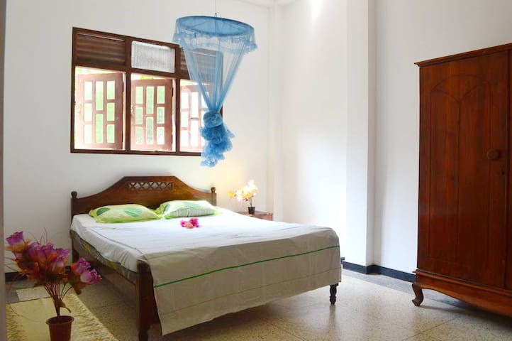 LightHouse Villa (50m. from beach) - Beruwala