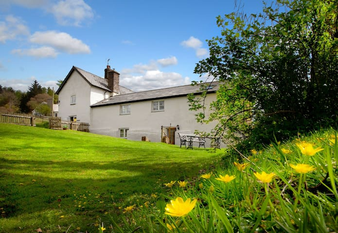 Delightful  2-bedroom Exmoor countryside cottage with wonderful views, character and charm