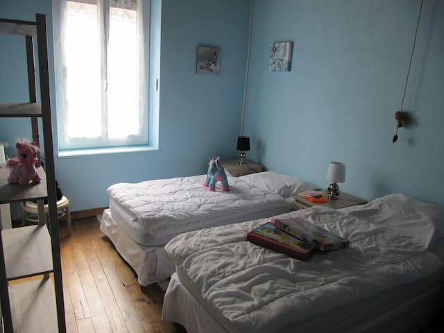 chambre enfants, 3 lits de 90