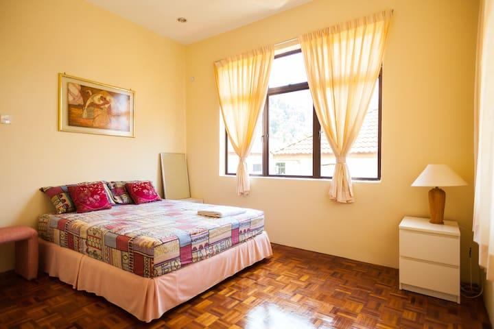 Light double room, Batu Ferringhi - Batu Berringhi - บ้าน