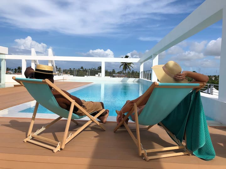 DELUXE PENTHOUSE ROOFTOP POOL BEACH CLUB