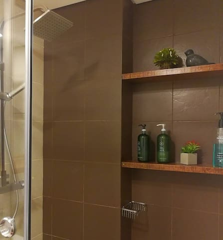 Organic Shampoo and Body wash provided to make you feel refreshed.