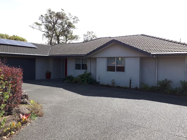 Conveniently located Tauranga Home