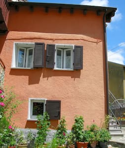 Casa Terracotta, cosy self catering - Bedonia