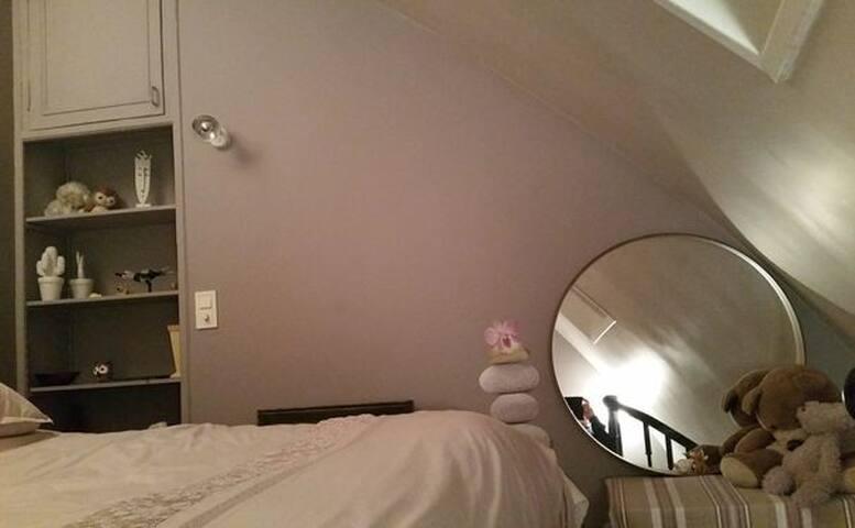 Appartement agréable au 6è étage, face au Bataclan