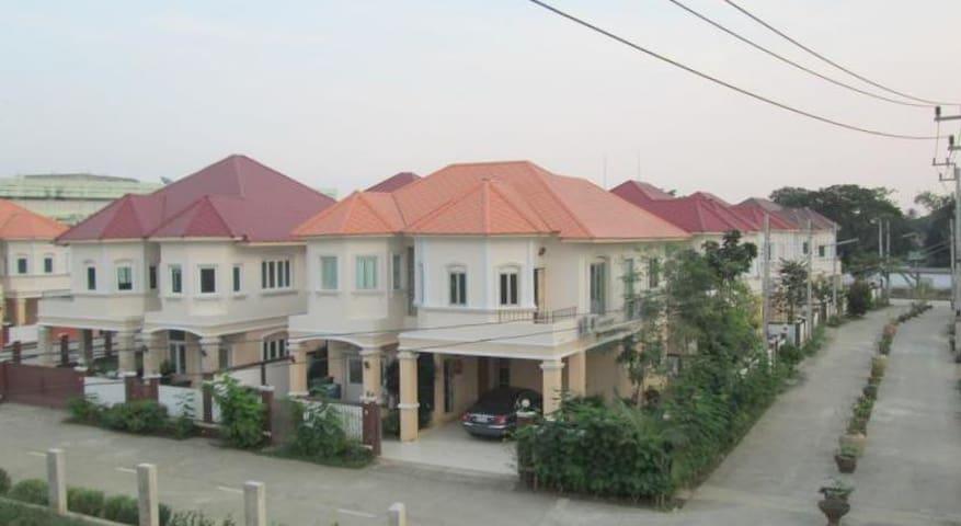 Kalamar Palace 3-bedroom house - Phra Nakhon Si Ayutthaya - Ev