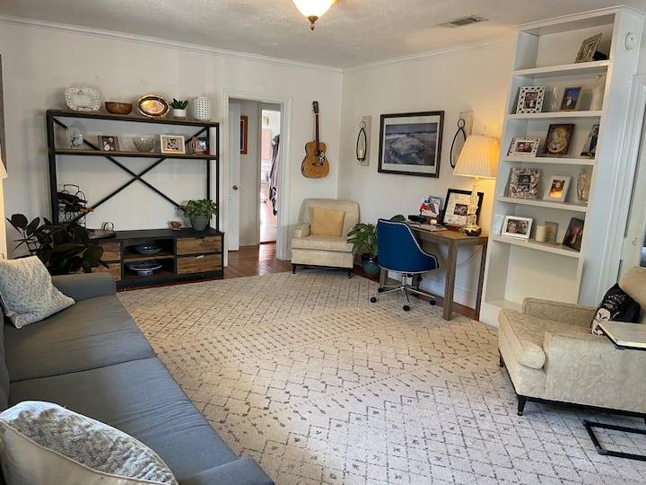 Quaint, Charming, Spacious Home Near LSU and Lakes