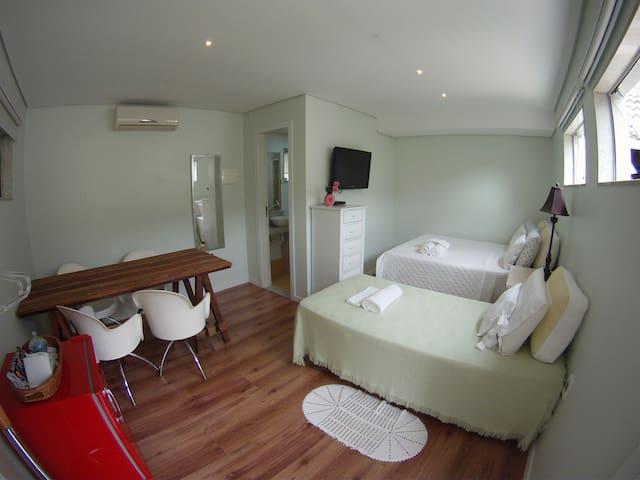 Suite with total privacy at Lagoa da Conceição - Florianópolis - House