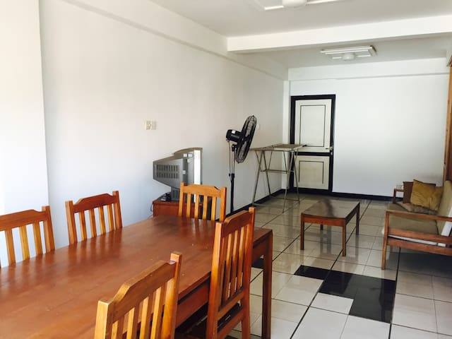 Entire Apartment in Colombo - Pelawatta - Byt
