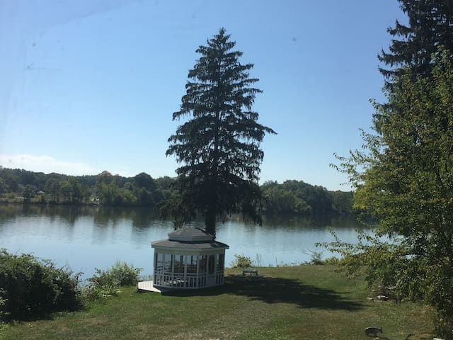 Great House On Portage Lakes with spectacular views of Long Lake and the North Resevoir