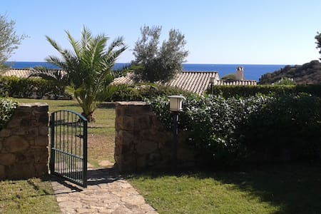 Lovely Villino with pool and sea view