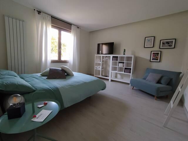Cosy Double bedroom close to Montesilvano beach
