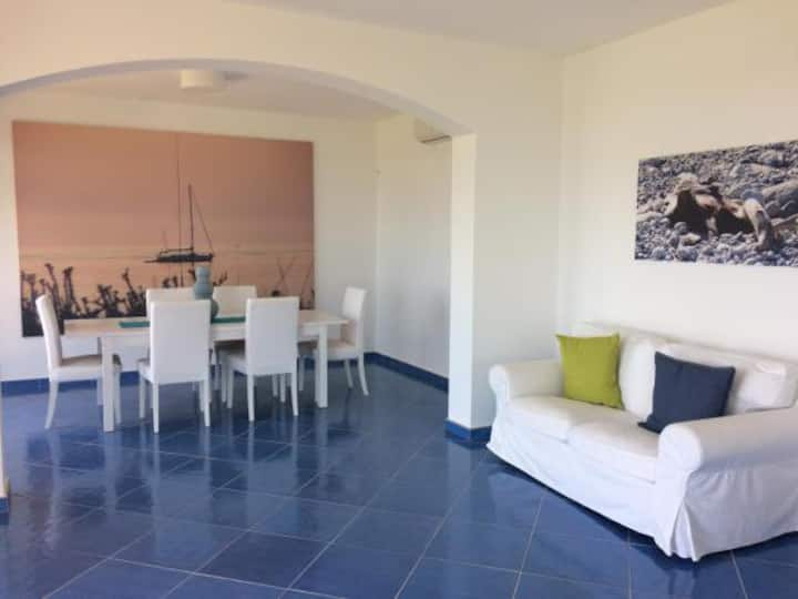 Vacanze in villa vista mare (Dioniso)