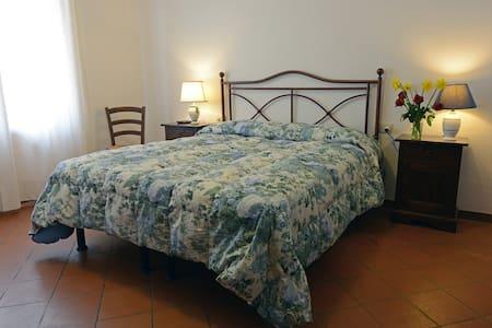 B&B La Piazzetta - Panzano In Chianti - Bed & Breakfast