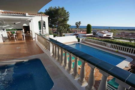 Villa with pool and amazing sea view Casa Mirablau