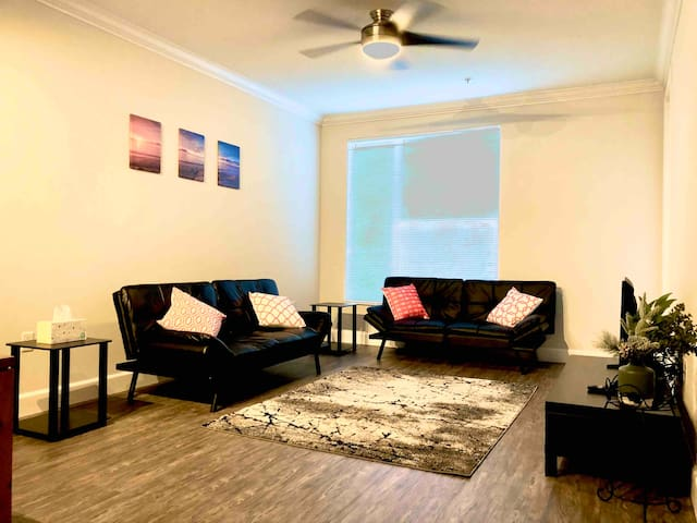 *Sanitized* Discounted! 2B/2BA Luxury and comfy!