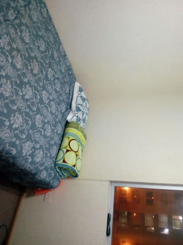 2 bedrooms and 1 bathroom near to airport and cent