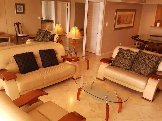 Fabulous Miami Waterfront Condo, 2 bedrooms, 2 Bath - Spectacular View, Sleeps 4, Ref. MIA4141