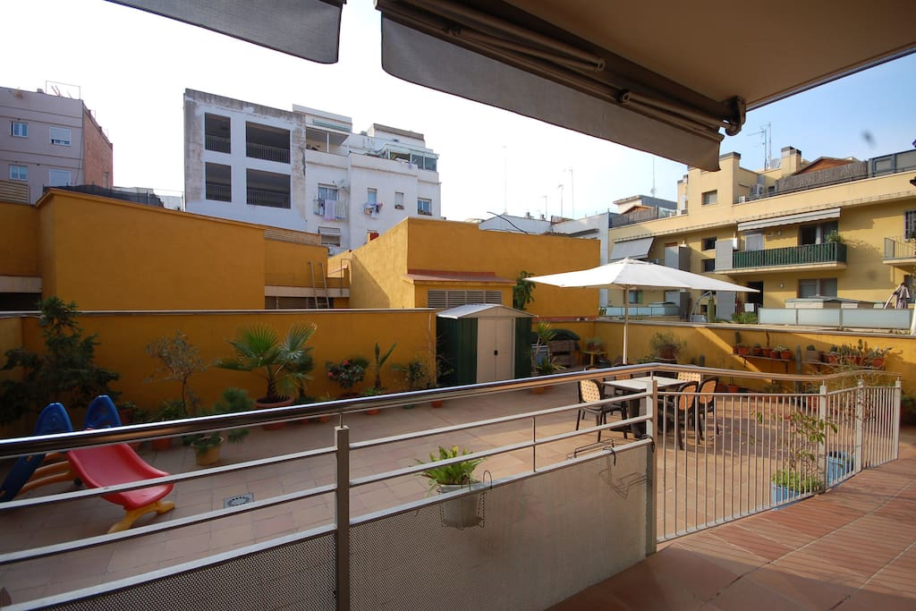 Very bright and open terrace