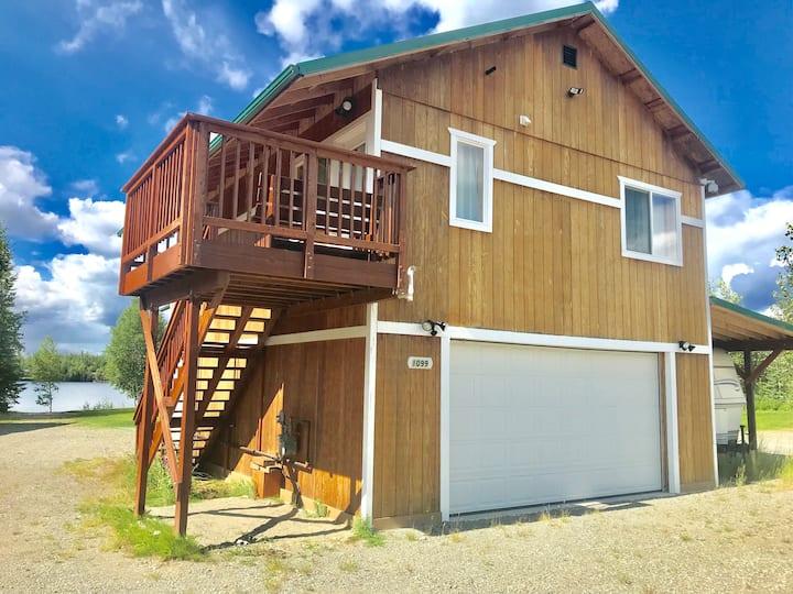 Beautiful Alaskan Lake House Suite