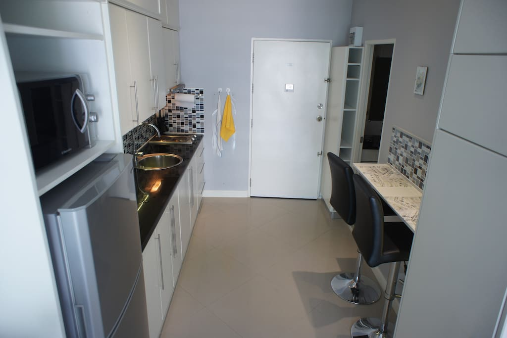 Modern style kitchen with fully quipped