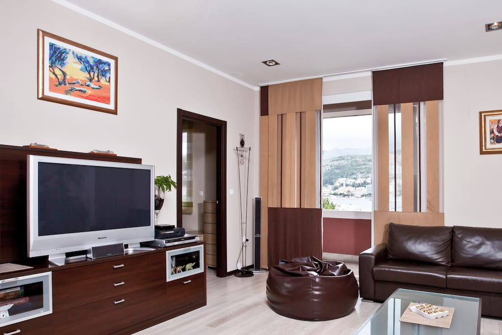 Luxury apartment MaraS- living room with seaview