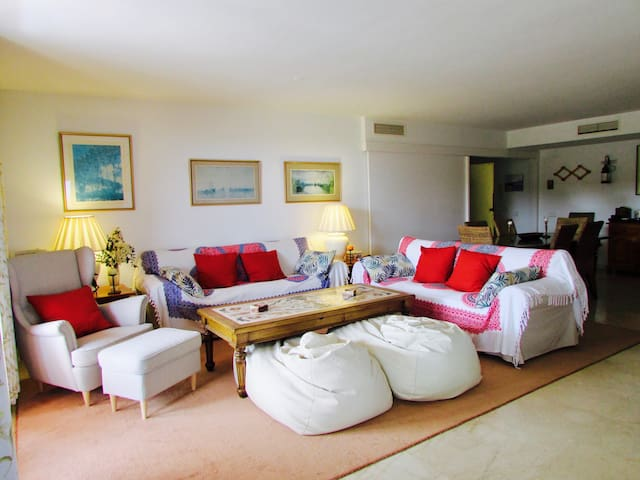 Beautiful apartment next to the sea in Sotogrande