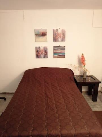 Habitacion preciosa y confortable 11. Escalon S.S.