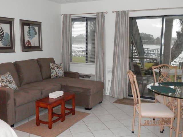 Panama City Beach, steps to beach and Pier Park