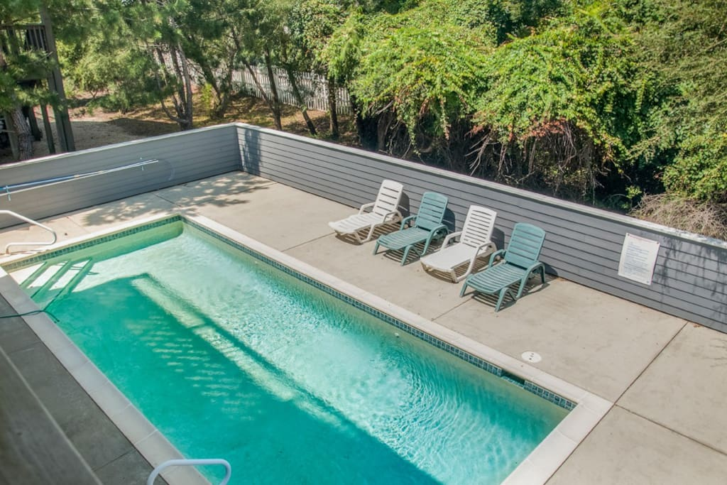 CP77: Carolina Winds | Pool Area
