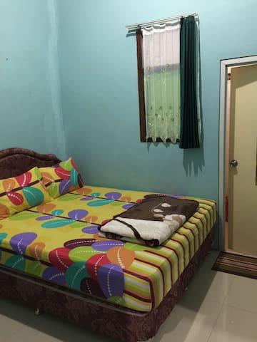 Casa Homestay 2 - Pasuruan - Ház