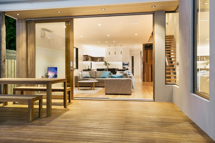 Brand New Modern Beach House - บาร์วัน เฮดส์