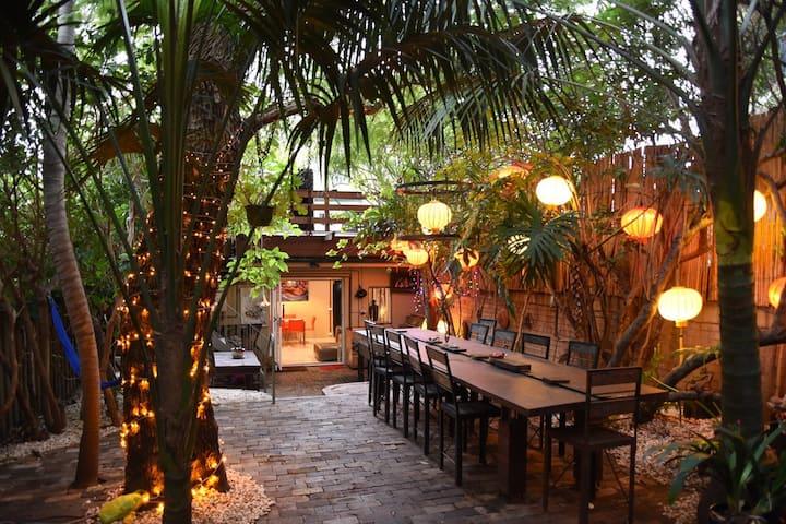 Inner City Garden Oasis Studio