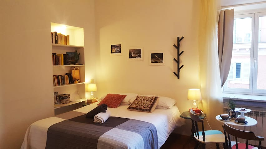 Spanish Steps, Trevi and Borghese suite 5 - Rome - Appartement