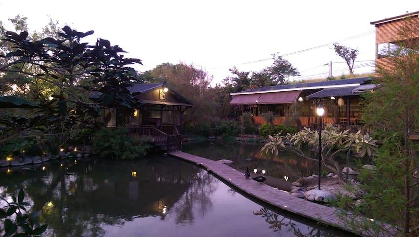 黃昏交際的第一生態池
