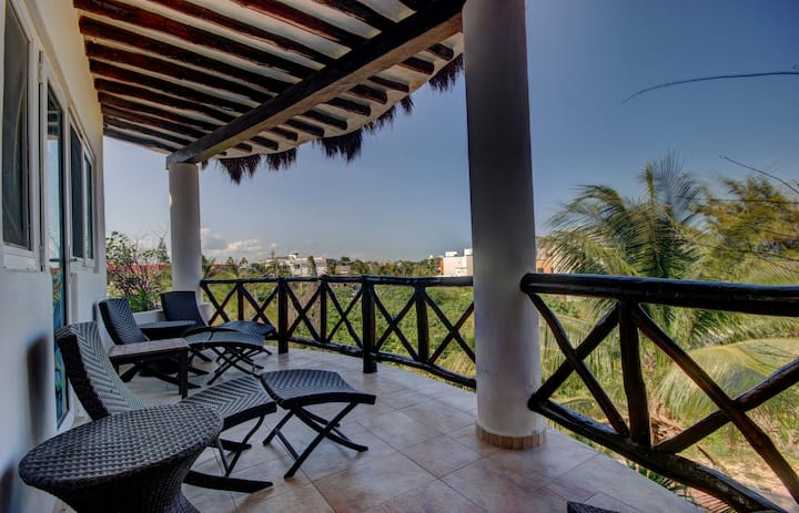 Las Tortugas A3 - beautiful 2 bedrooms condo on a beach side access in down town