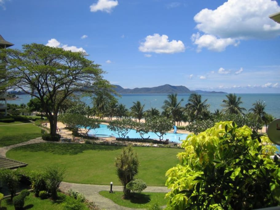 Compound's Swimming pool and beach 150 m from your front door