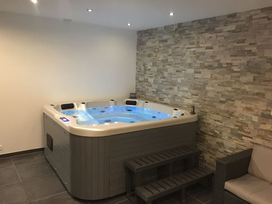 Chez alice gite alsace piscine spa jacuzzi apartments for Piscine spa alsace