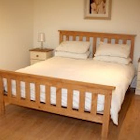 Emmet Place self catering apartments, Newmarket. - Newmarket - Pis