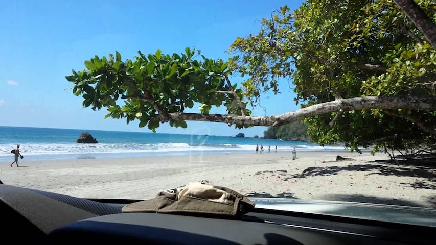 The Elephant Castle: Beach Front Penthouse - Manuel Antonio Beach - Apartamento