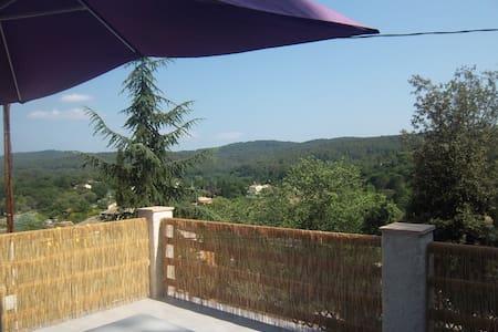 Villa neuve pour 6 personnes - Carcès - Дом