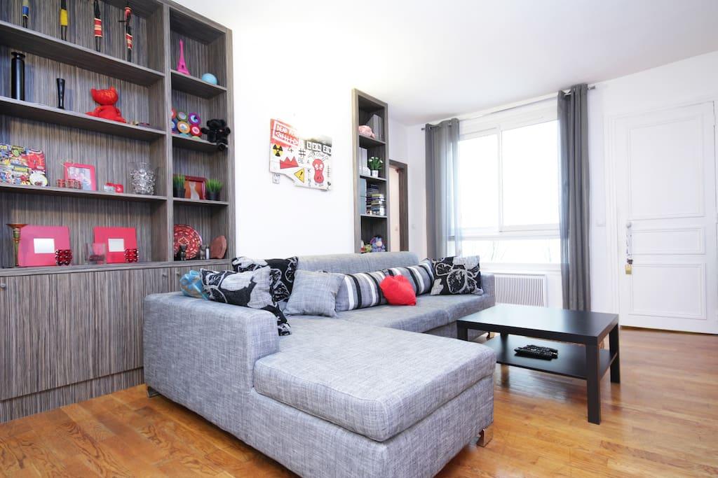 80m2 paris centre bonne nouvelle apartments for rent for Chambre de bonne paris rent