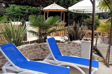 Gite 6 per piscine avec abri retrac - Meursac - Dom