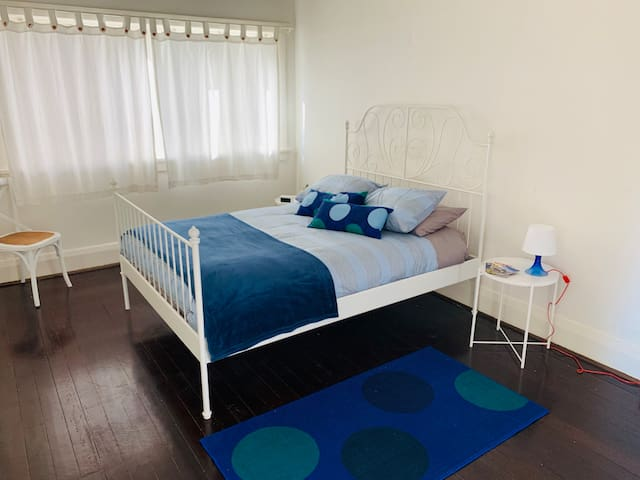 Great 1 Bedroom Apart in Bondi Beach FREE WiFi